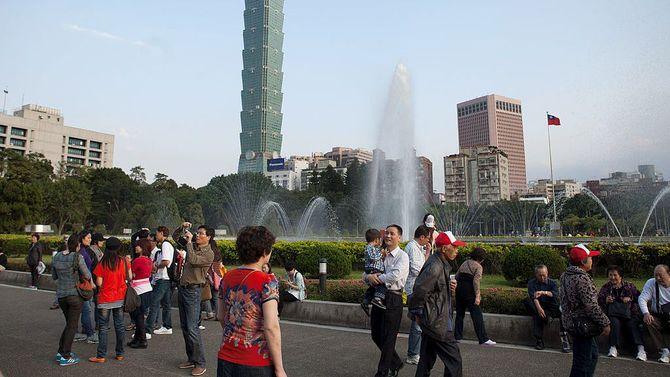 中国暂停大陆游客赴台个人游